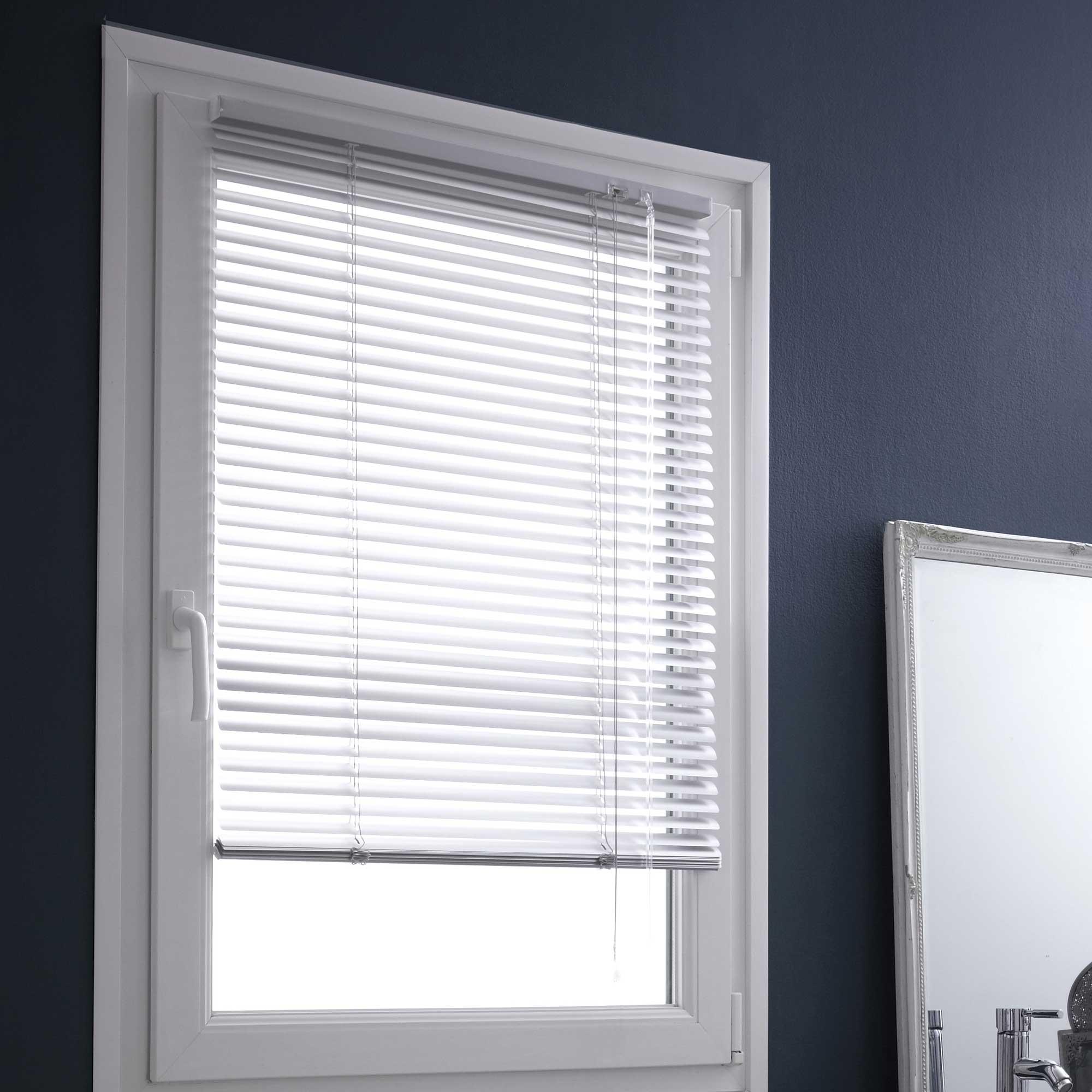 store venitien a clipser. Black Bedroom Furniture Sets. Home Design Ideas